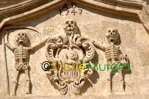 Sei-su-immagine-raffigurante-particolare-bassorilievo-della-facciata-della-chiesa-del-purgatorio
