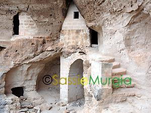 Sei-su-immagine-raffigurante-particolare-del-complesso-rupestre-di-san-nicola-ofra