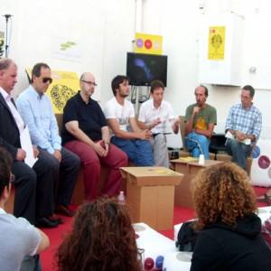 sei-su-immagine-raffigurante-Mirko-Mencacci-durante-un-dibattito-pubblico-al-Lucania-Film-Festival