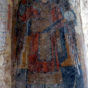 sei-su-immagine-raffigurante-l-affresco-di-san-michele-arcangelo-nella-chiesa-rupestre-di-santa-lucia-alle-malve