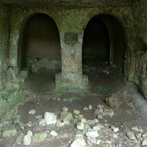 sei-su-immagine-raffigurante-oratorio-e-presbiterio-della-cripta-del-canarino