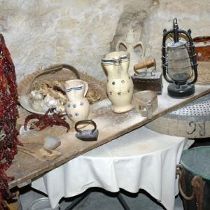 sei-su-immagine-raffigurante-antichi-utensili-da-cucina