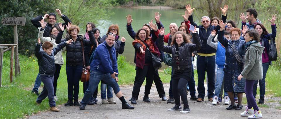 sei-su-immagine-raffigurante-un-gruppo-di-sordi-applaudono-presso-la-riserva-naturale-oasi-san-giuliano