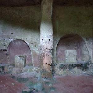sei-su-immagine-raffigurante-l-interno-mono-navata-della-cripta-di-Sant-Andrea